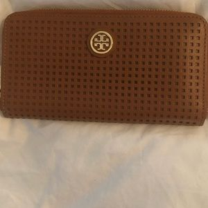Tory Burch Zipper Wallet